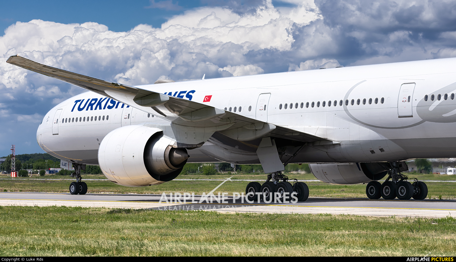 Turkish Airlines TC-LJC aircraft at Bucharest - Henri Coandă