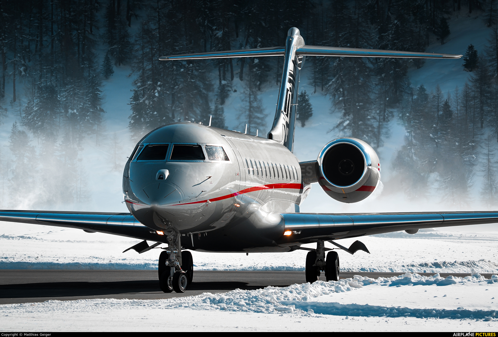 Vistajet OE-LGX aircraft at Samedan - Engadin