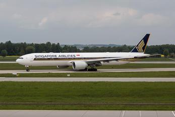 9V-SNB - Singapore Airlines Boeing 777-300ER