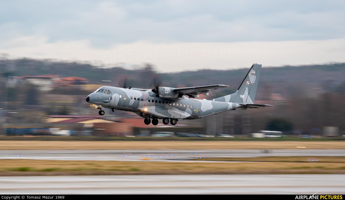Poland - Air Force 012 aircraft at Kraków - John Paul II Intl