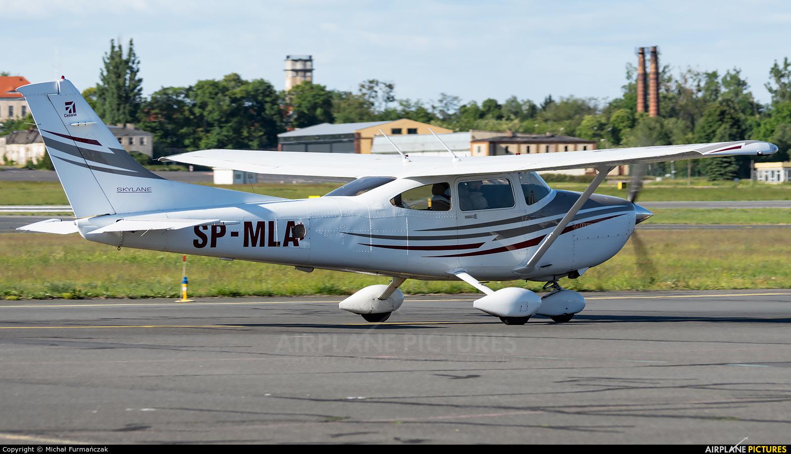 Private SP-MLA aircraft at Poznań - Ławica