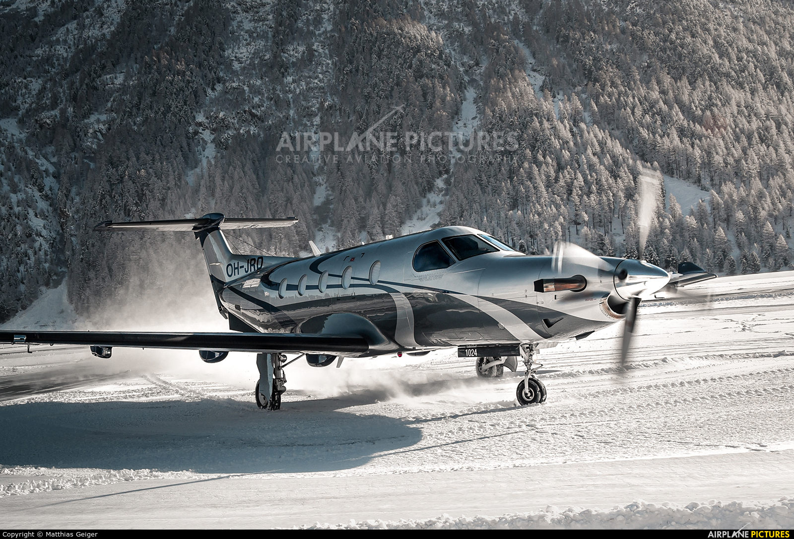Private OH-JRD aircraft at Samedan - Engadin