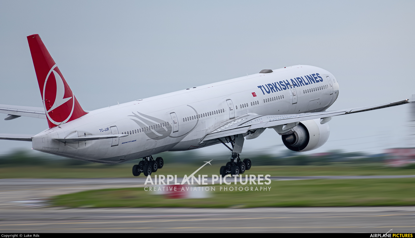 Turkish Airlines TC-JJR aircraft at Bucharest - Henri Coandă