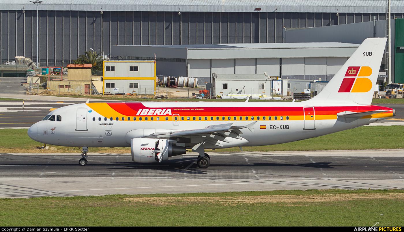 Iberia EC-KUB aircraft at Lisbon