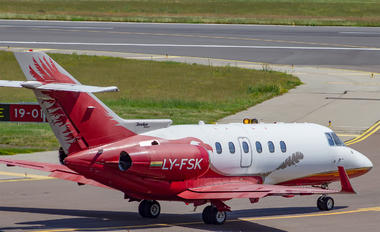 LY-FSK - Classic Jet Hawker Beechcraft 900XP