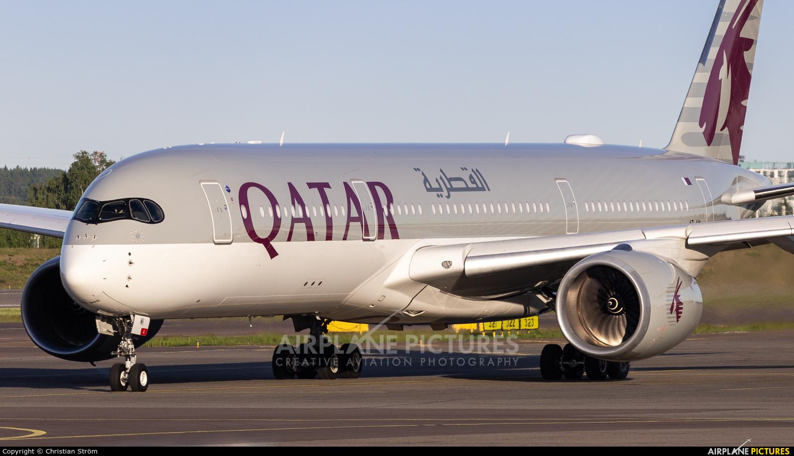 Qatar Airways A7-AMI aircraft at Helsinki - Vantaa