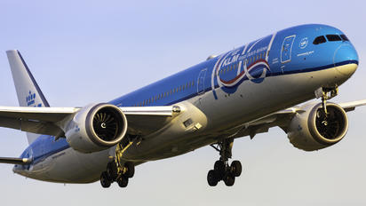 PH-BKA - KLM Boeing 787-10 Dreamliner