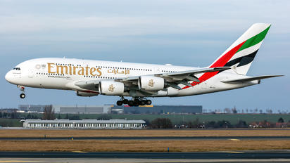A6-EUI - Emirates Airlines Airbus A380