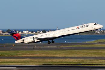 N945DN - Delta Air Lines McDonnell Douglas MD-90