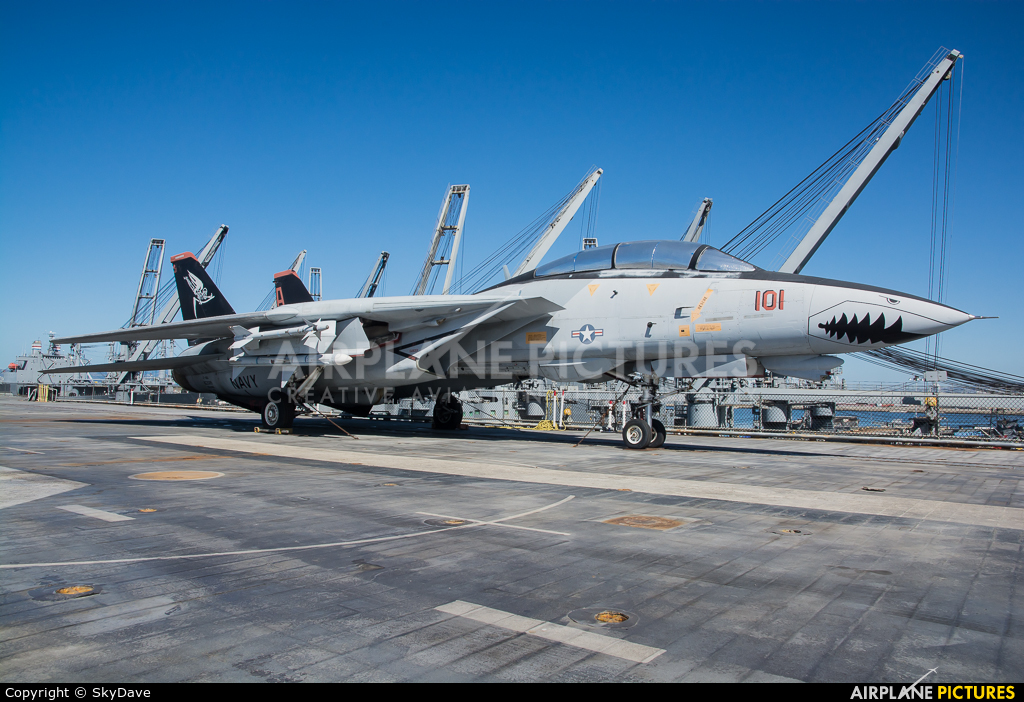 Private 162869 aircraft at Alameda - USS Hornet Museum