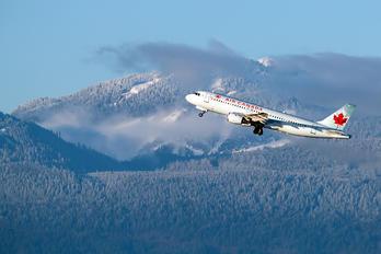C-FDQV - Air Canada Airbus A320