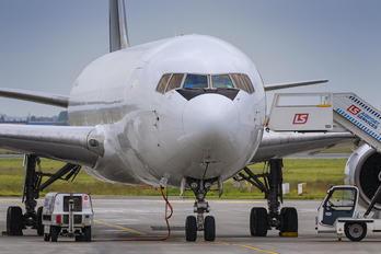 SP-MRF - Skytaxi Boeing 767-200F