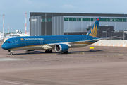 Vietnam Boeing 787-10 visited Helsinki title=