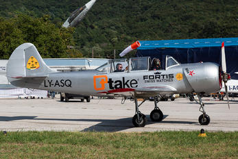 LY-ASQ - Private Yakovlev Yak-52