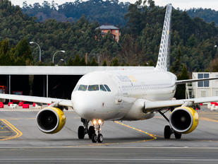 EC-MBF - Vueling Airlines Airbus A320