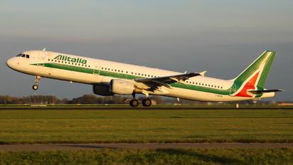 I-BIXR - Alitalia Airbus A321