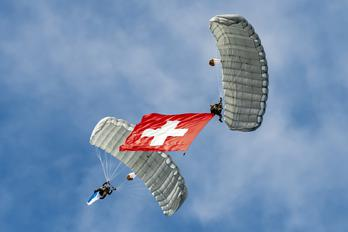 - - Switzerland - Army Parachute Military