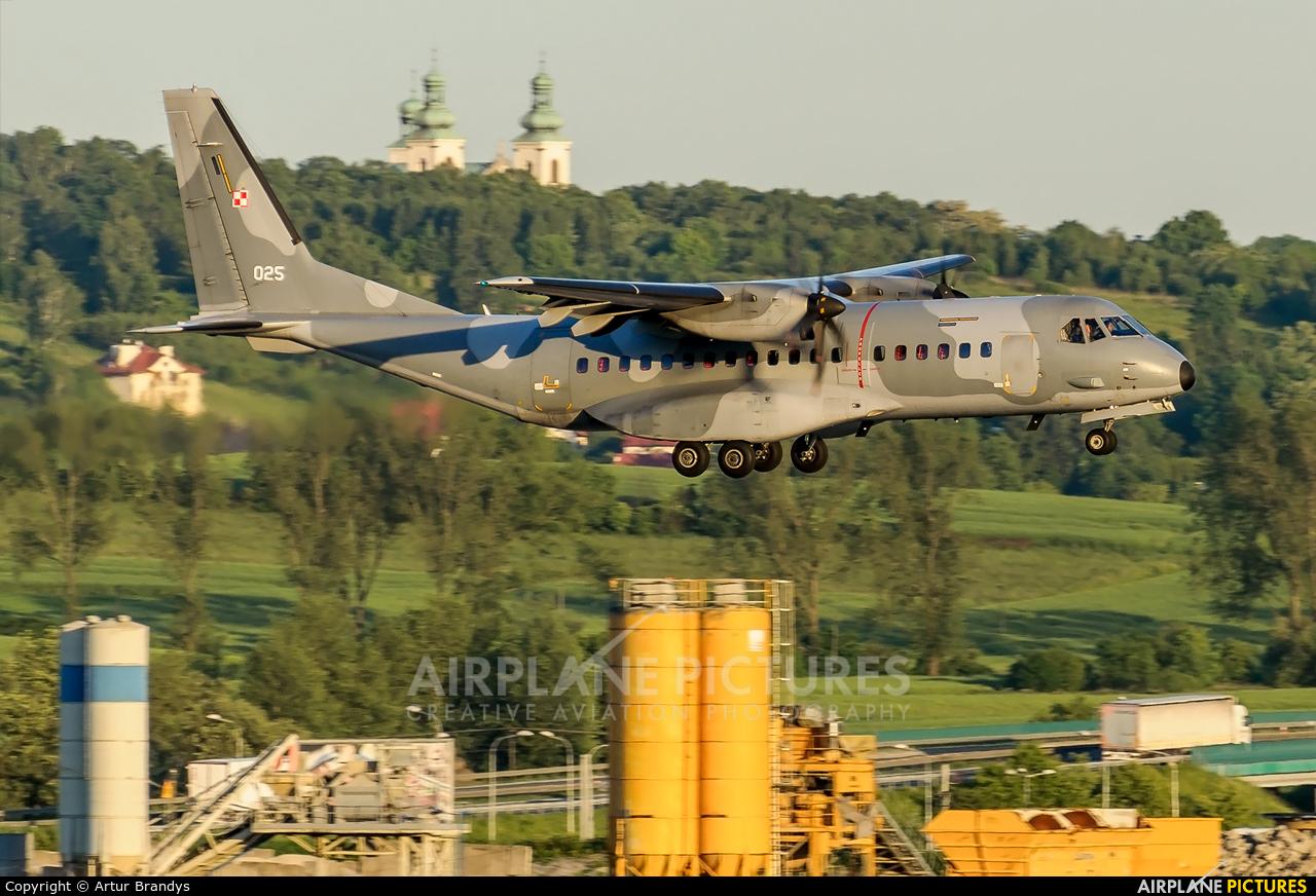 Poland - Air Force 025 aircraft at Kraków - John Paul II Intl