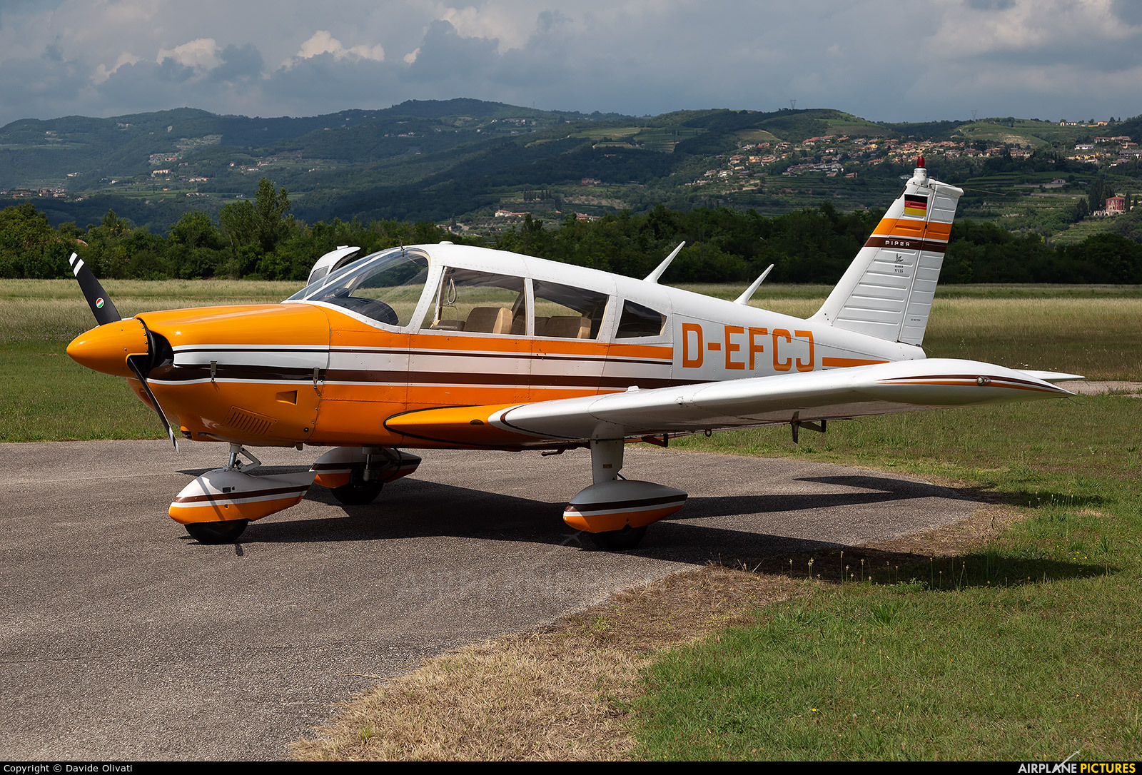 Private D-EFCJ aircraft at Verona - Boscomantico