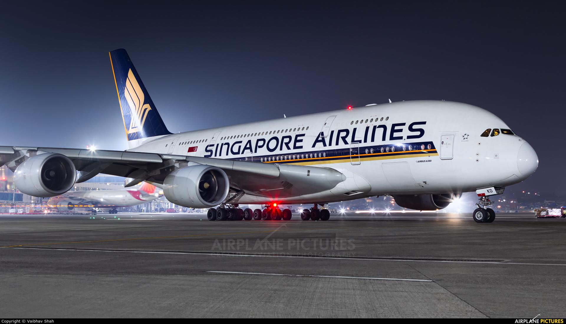 Singapore Airlines 9V-SKD aircraft at Mumbai - Chhatrapati Shivaji Intl