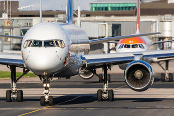 G-LSAE - Jet2 Boeing 757-200