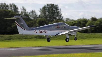G-BXYO - Private Piper PA-28R Arrow /  RT Turbo Arrow