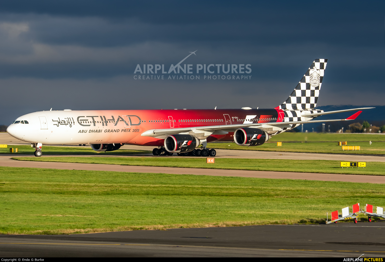 Etihad Airways A6-EHJ aircraft at Manchester