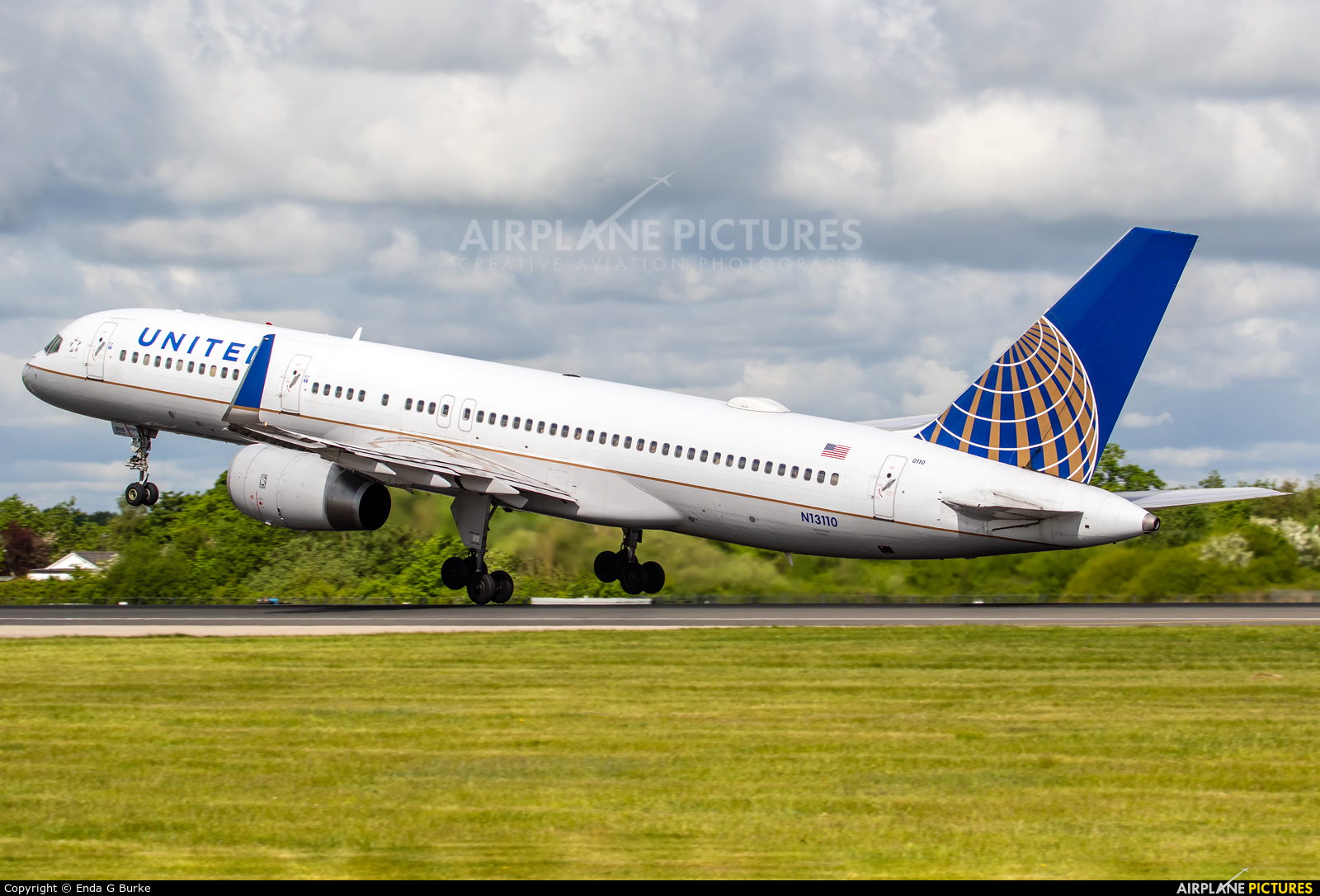 United Airlines N13110 aircraft at Manchester