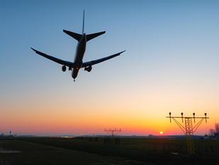 N77066 - United Airlines Boeing 767-400ER