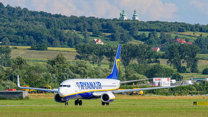 SP-RKB - Ryanair Sun Boeing 737-8AS