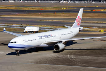 B-18307 - China Airlines Airbus A330-300
