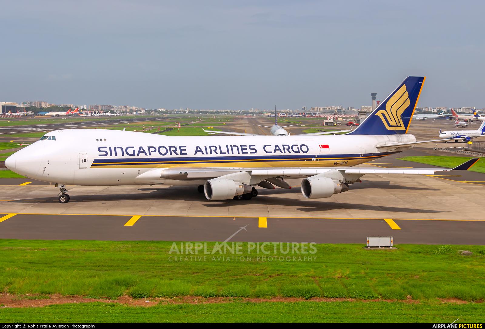 Singapore Airlines Cargo 9V-SFM aircraft at Mumbai - Chhatrapati Shivaji Intl
