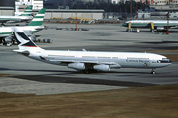VR-HMR - Cathay Pacific Airbus A340-200