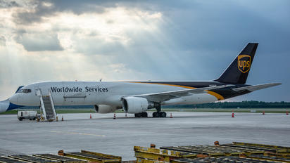 N443UP - UPS - United Parcel Service Boeing 757-200F