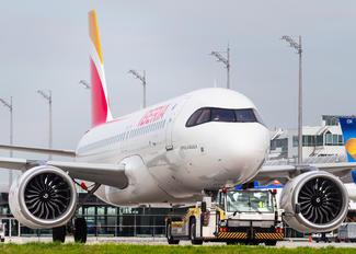 EC-MXU - Iberia Airbus A320 NEO