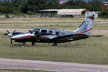 I-RIZZ - Private Piper PA-34 Seneca