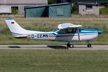 D-EEMN - Private Cessna 182 Skylane (all models except RG)