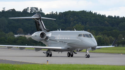 SP-WAA - Private Bombardier BD-100 Challenger 350 series