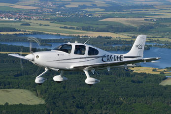 OK-UHE - Private Cirrus SR22
