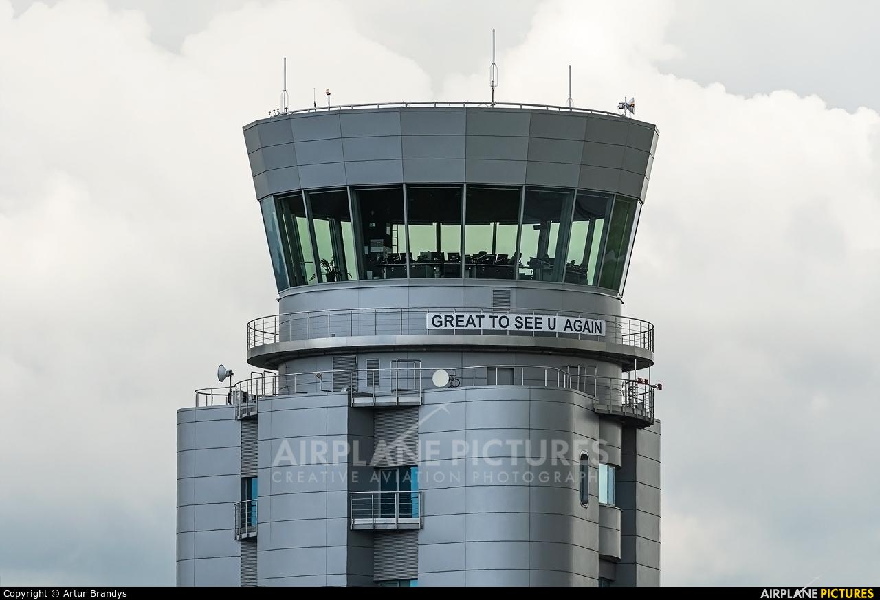 - Airport Overview EPKK aircraft at Kraków - John Paul II Intl