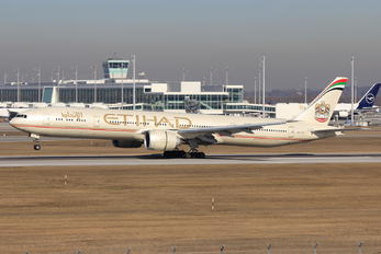 A6-ETL - Etihad Airways Boeing 777-300ER