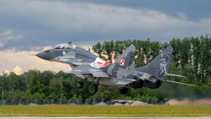 15 - Poland - Air Force Mikoyan-Gurevich MiG-29UB