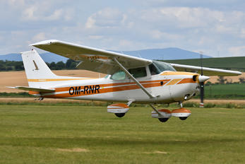 OM-RNR - Seagle Air Cessna 172 Skyhawk (all models except RG)