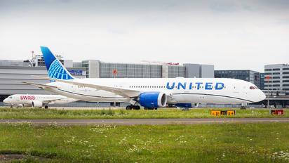 N29975 - United Airlines Boeing 787-9 Dreamliner
