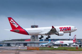PT-MVC - TAM Airbus A330-200