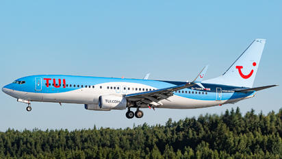 G-TAWK - TUI Airways Boeing 737-800