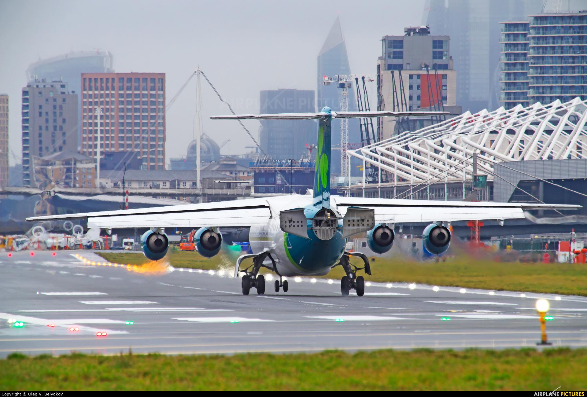 Aer Lingus EI-RJI aircraft at London - City