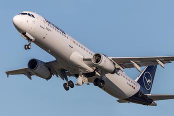 D-AIDN - Lufthansa Airbus A321