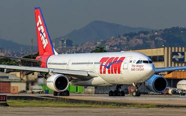 PT-MVK - TAM Airbus A330-200