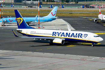 SP-RST - Ryanair Sun Boeing 737-8AS